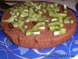 Пирог с киви и клюквой
