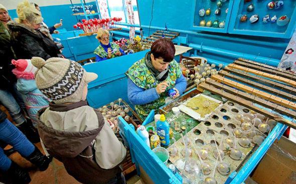 Фабрика елочных игрушек смт. Клавдиево