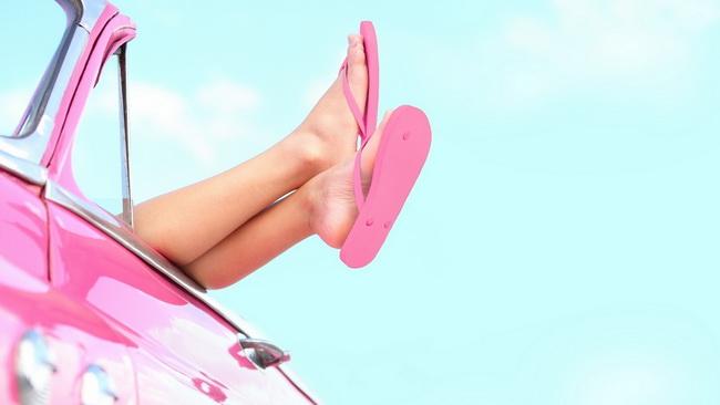 В какой обуви опасно водить машину?