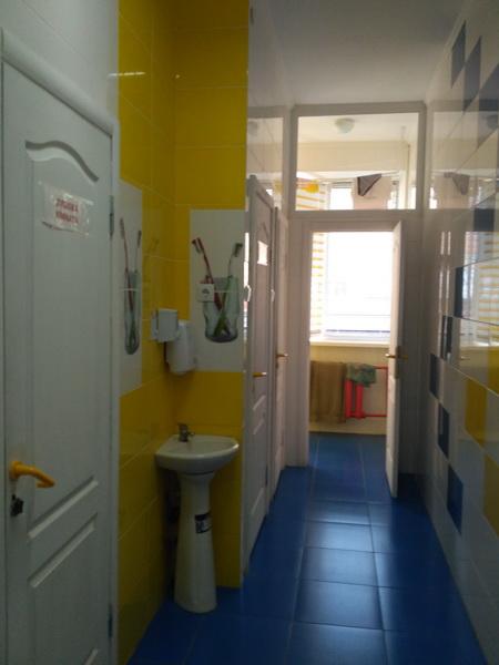Душова і туалет на поверсі